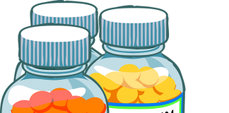 Witamina C i witamina B12 w pojemnikach