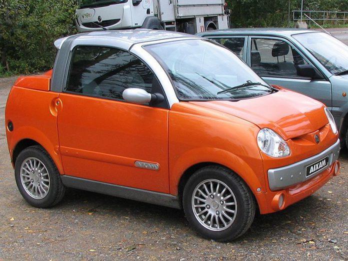 Aixam Scouty S koloru pomarańczowego, microcar