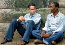 Morgan Freeman i Bob Gunton w filmie The Shawshank Redemption