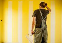 Malarz, kiepsko pomalował ścianę. Śmieszne dowcipy o budowlańcach, kawały z budowy