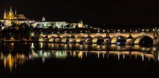 Most Karola w Pradze - najwieksza atrakcja stolicy Czech - quiz z geografii