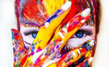pomalowana twarz - quiz o kolorach