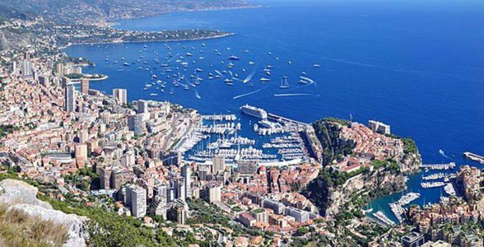 Monako, widok na zatokę, jedno z najmniejszych państw Europy, quiz