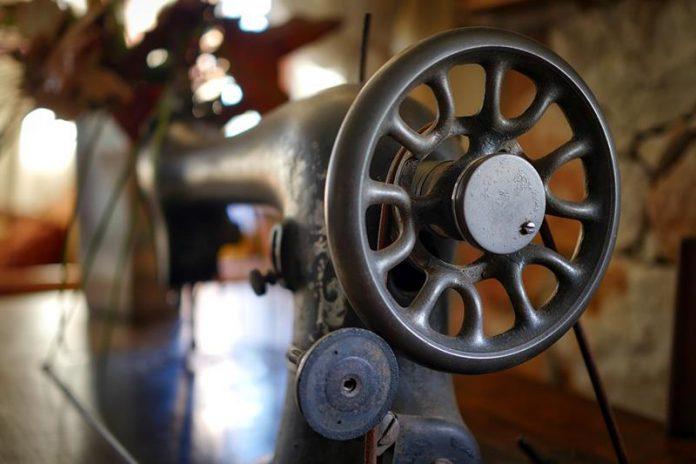 Stara Maszyna do szycia pokryta patyną, najnowszy quiz online