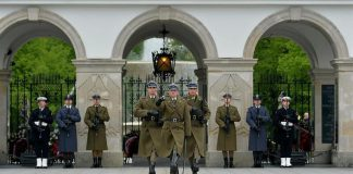 Kompania reprezentacyjna wojska polskiego, Grób Nieznanego Żołnierza, quiz