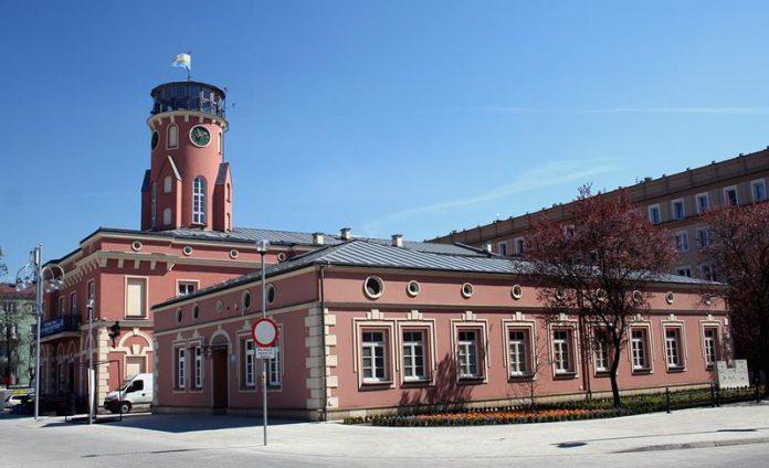 Ratusz w Częstochowie, zabytki Czestochowy - quiz o miastach Polski