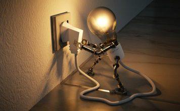 Gniazdko elektryczne, żarówka - quiz wiedzy ogólnej