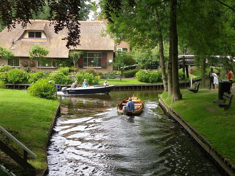 Giethoorn-Holenderska Wenecja-kanały