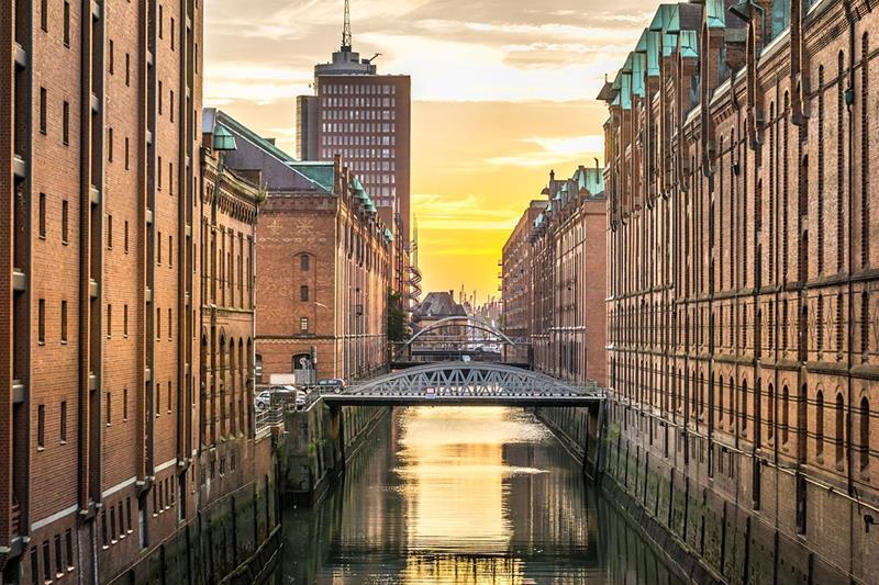 Hamburg-kanał-dzielnica Speicherstadt