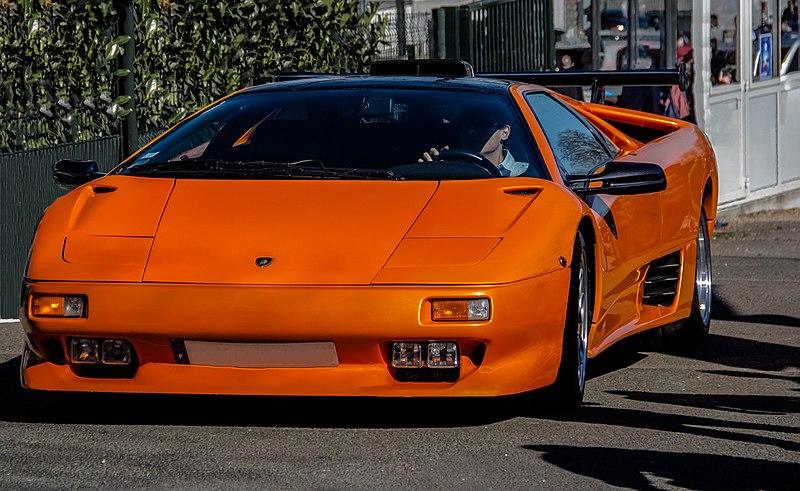 Lamborghini Diablo VT V12 5,7L-pomarańczowe-Supersamochód