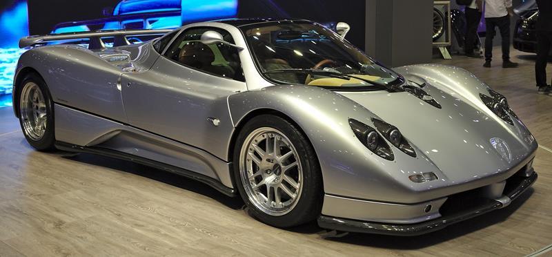 Pagani Zonda C12 srebrna-Włoski producent samochodów sportowych-Supersamochód