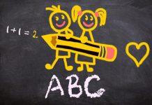 Zabawny rysunek na tablicy szkolnej