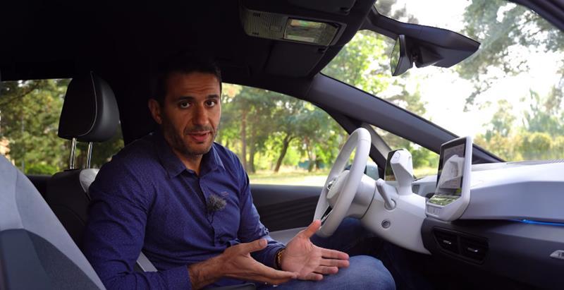 Zachar OFF-Zachar Zawadzki-youtuber i dziennikarz motoryzacyjny-testuje VW ID.3