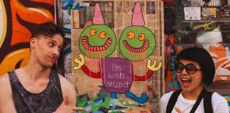 Zabawne zdjęcie, chłopak i dziewczyna, I'm with stupid