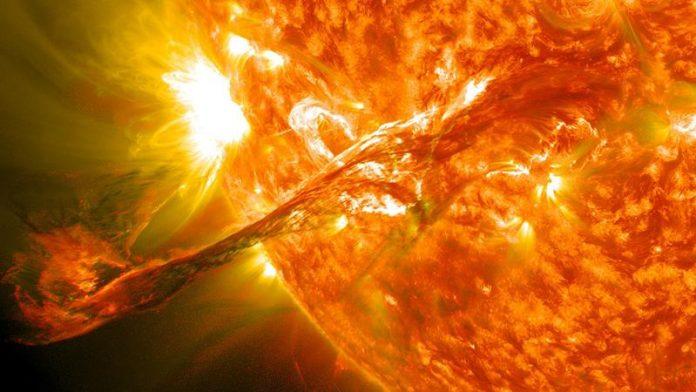 Koronalny wyrzut masy, 31 sierpnia 2012, zdjęcie SDO, Quiz o Słońcu