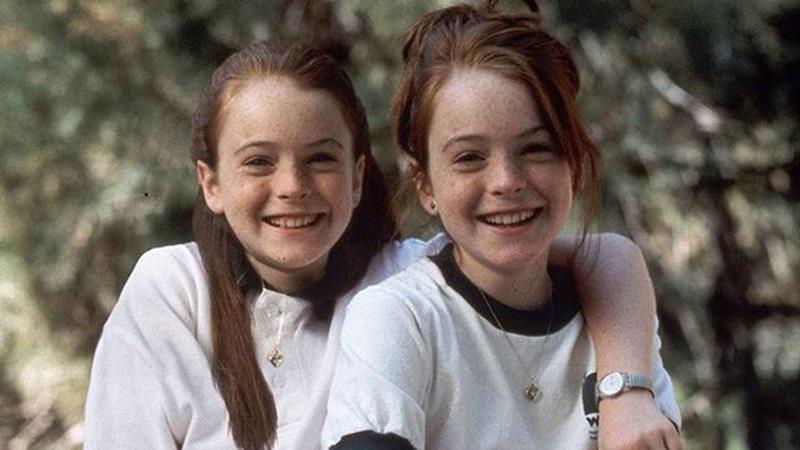 Lindsay Lohan debiutująca w roli bliźniaczek w komedii Nie wierzcie bliźniaczkom