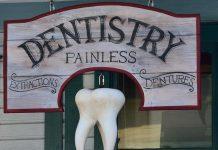 Stomatologia bezbolesna, dentistry painless, stary szyld kliniki stomatologicznej