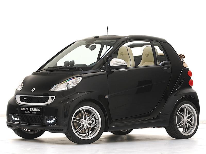 Smart ForTwo Cabrio Brabus w kolorze czarnym